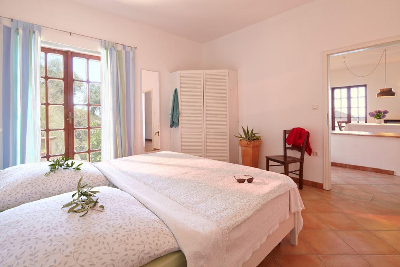 Krome refurbishing-Italian mediterranean interior style-05