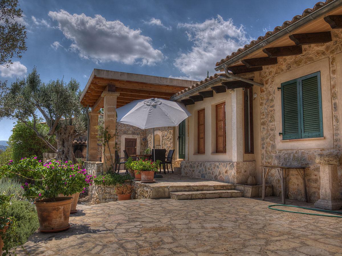 Krome refurbishing-Italian mediterranean interior style-12