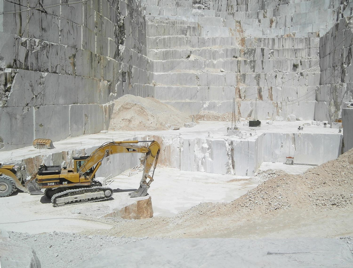 Carrara quarries-Krome Italian Refurbishing-04